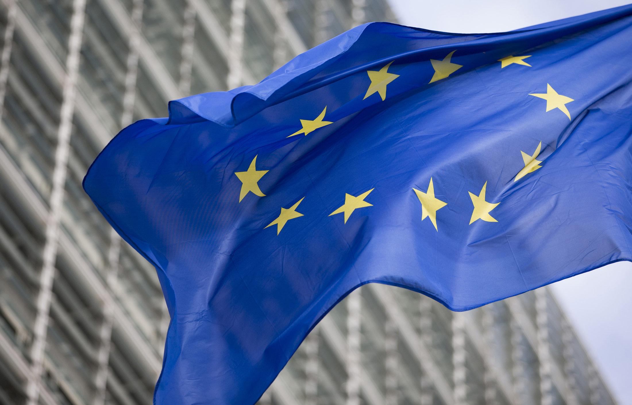 Comisión Europea trabaja para crear un marco regulatorio sobre las criptomonedas y finanzas digitales