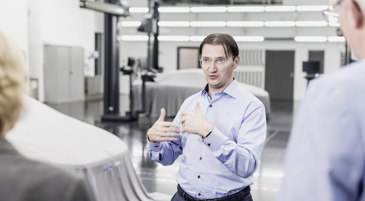 Iota incorpora al Director Digital de Volkswagen a su proyecto
