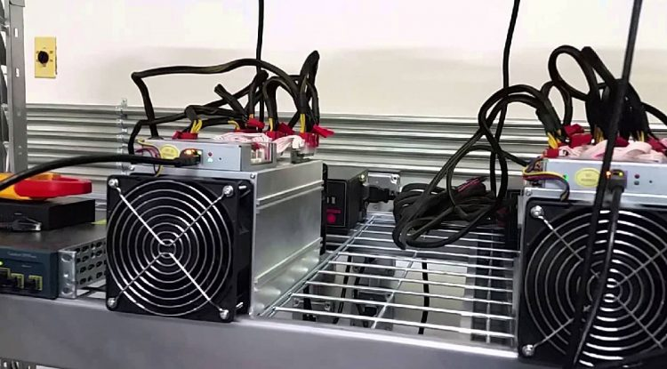 Los fabricantes chinos de plataformas mineras de bitcoin pretenden recaudar miles de millones en las IPOs de Hong Kong