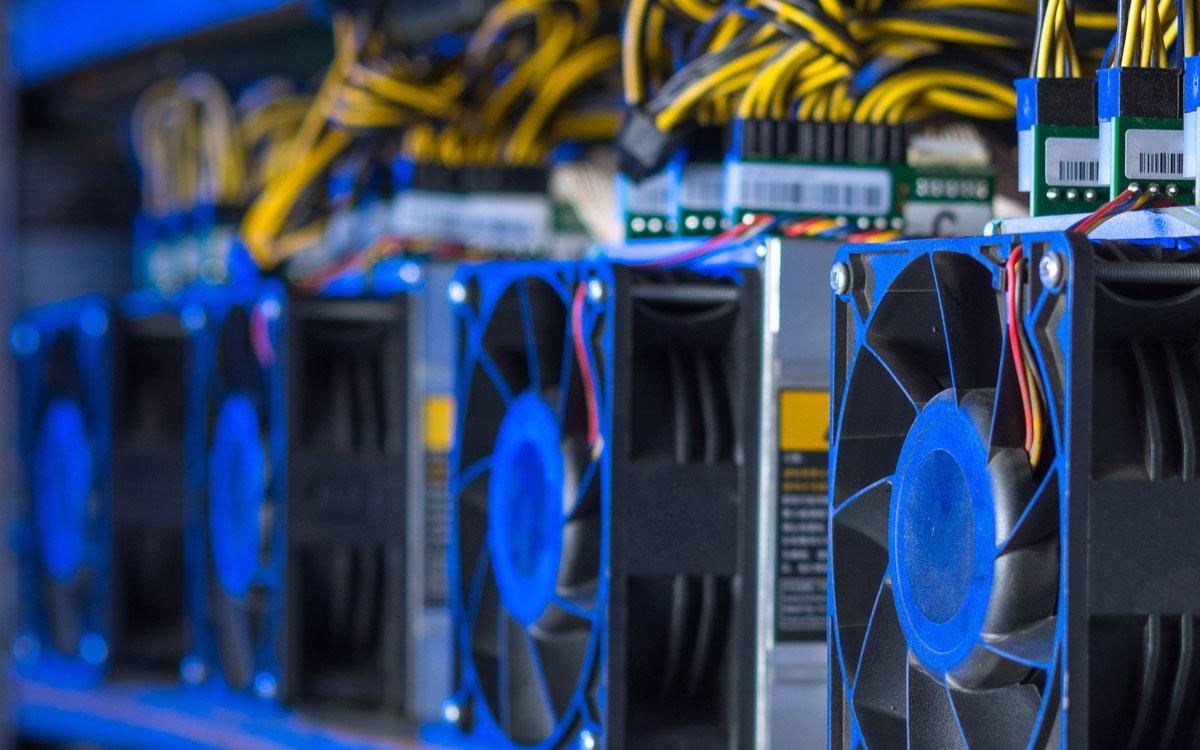 Bitcoin en buena forma: Tasa de hash cerca del récord histórico y su valor sube