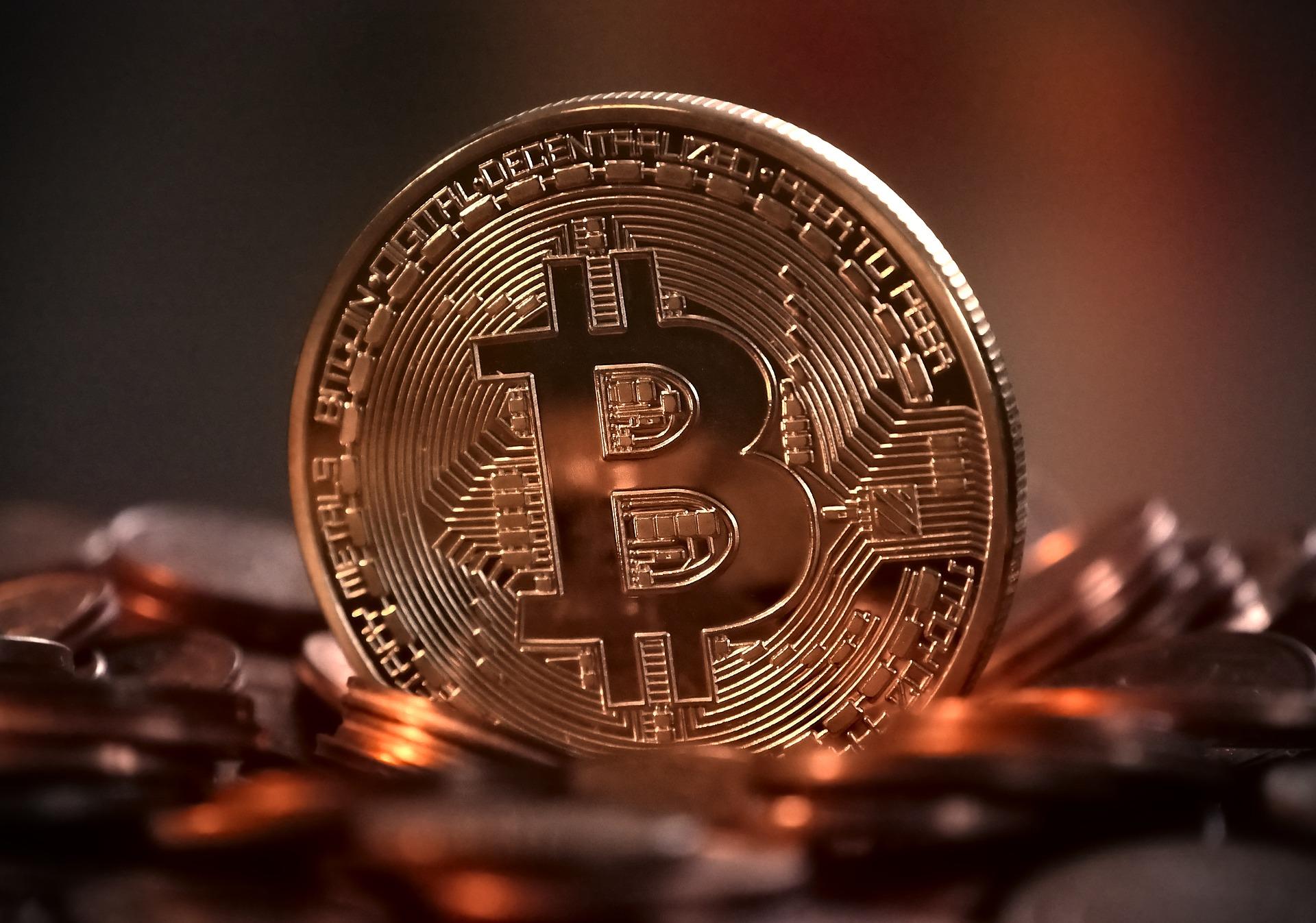 Bitcoin sufre otra pérdida de valor y se ubica por debajo de los 10 mil dólares