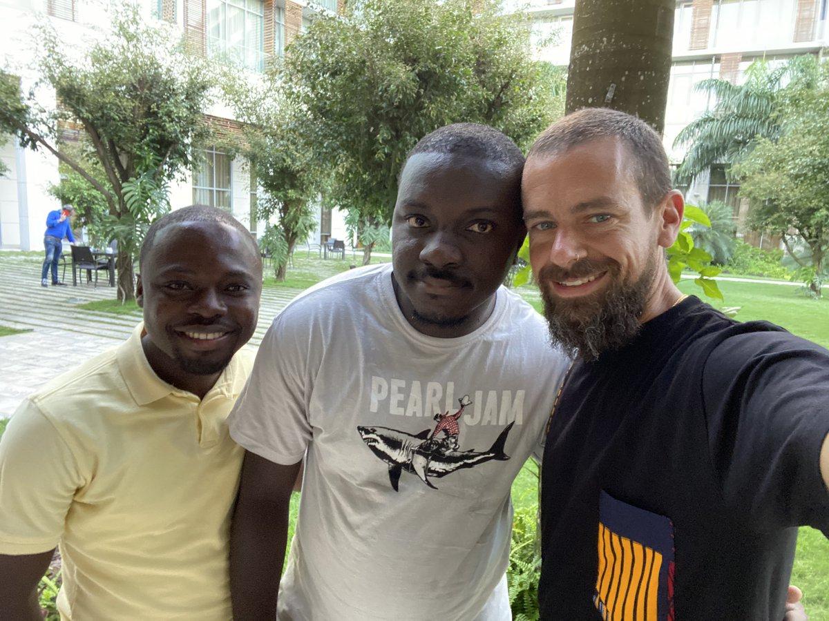 CEO de Twitter y Square realiza visita a África para extender su CashApp, y sostiene reuniones sobre bitcoin