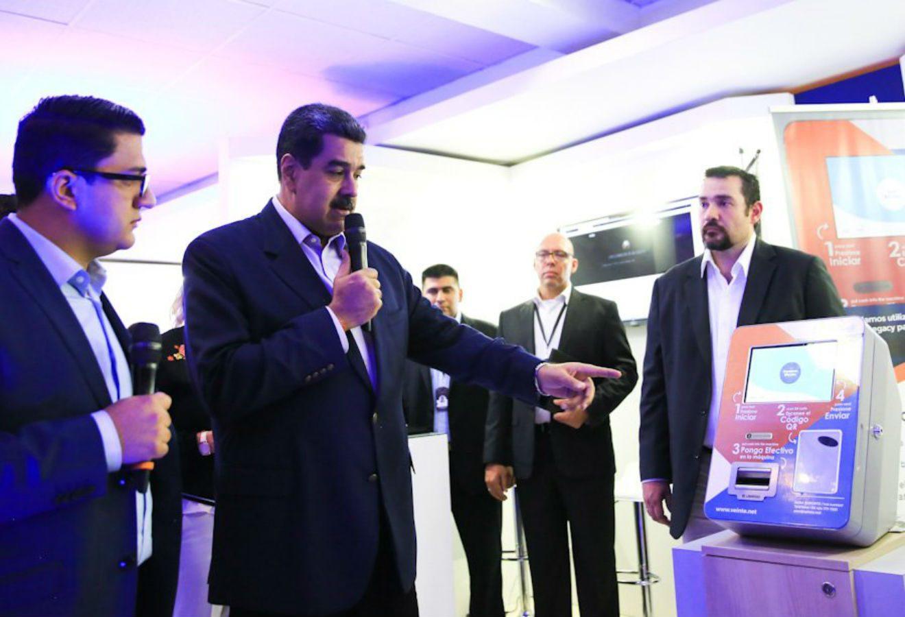 Compañía que obsequió billetera criptográfica de Trezor a Maduro explica el motivo de su participación en feria comercial centrada en el Petro