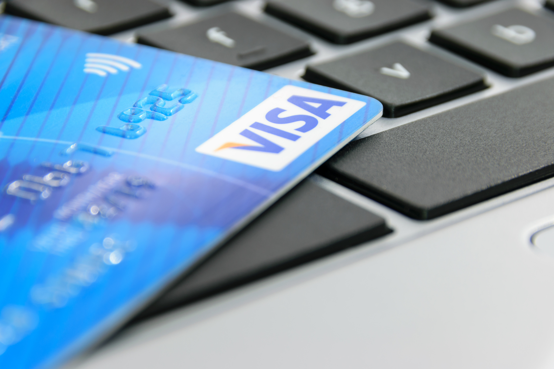Visa está en pruebas de una API que permita a los bancos ofrecer servicios de Bitcoin y demás criptomonedas