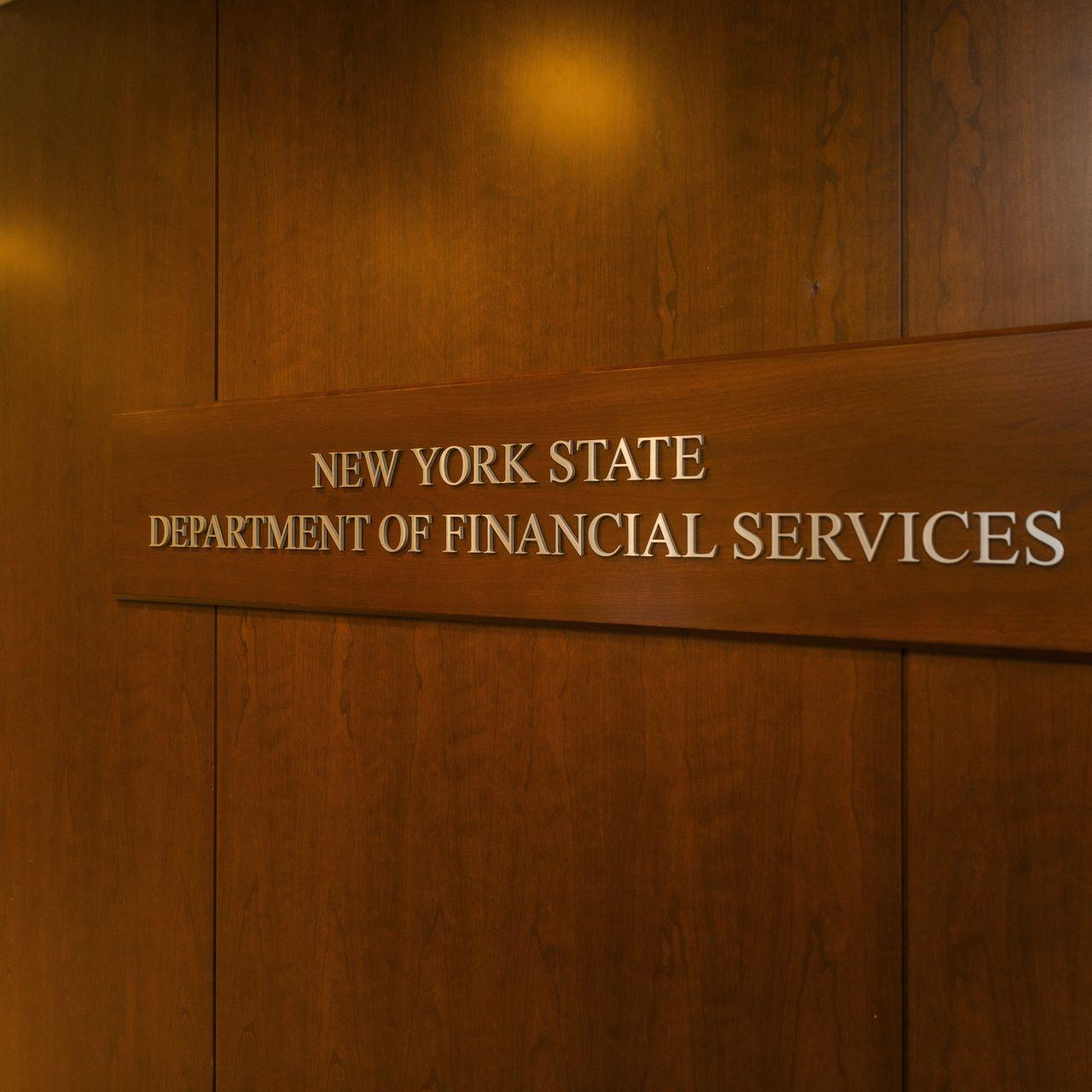 Departamento de Servicios Financieros de Nueva York busca renovar sus regulaciones para las licencias de monedas virtuales