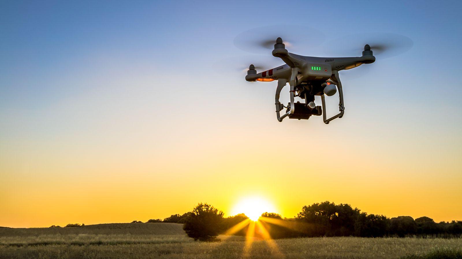 Cómo puede la tecnología blockchain ayudar a rastrear drones que transporten suministros médicos, según el gobierno estadounidense
