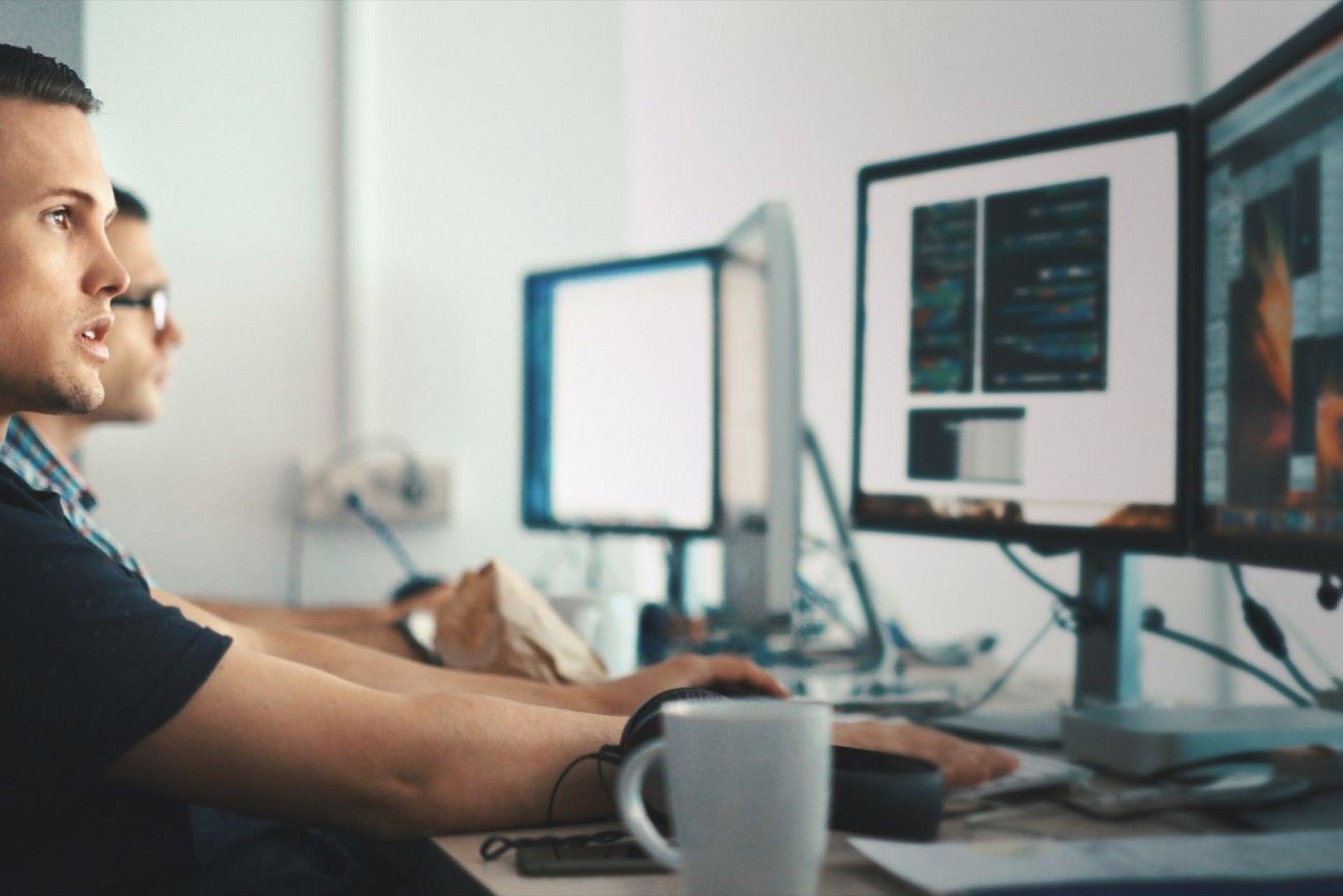 Los empleos blockchain son los mejores pagados de la industria tecnológica en el Reino Unido, mientras que Estados Unidos cuenta con la mayor cantidad de empresas en la industria