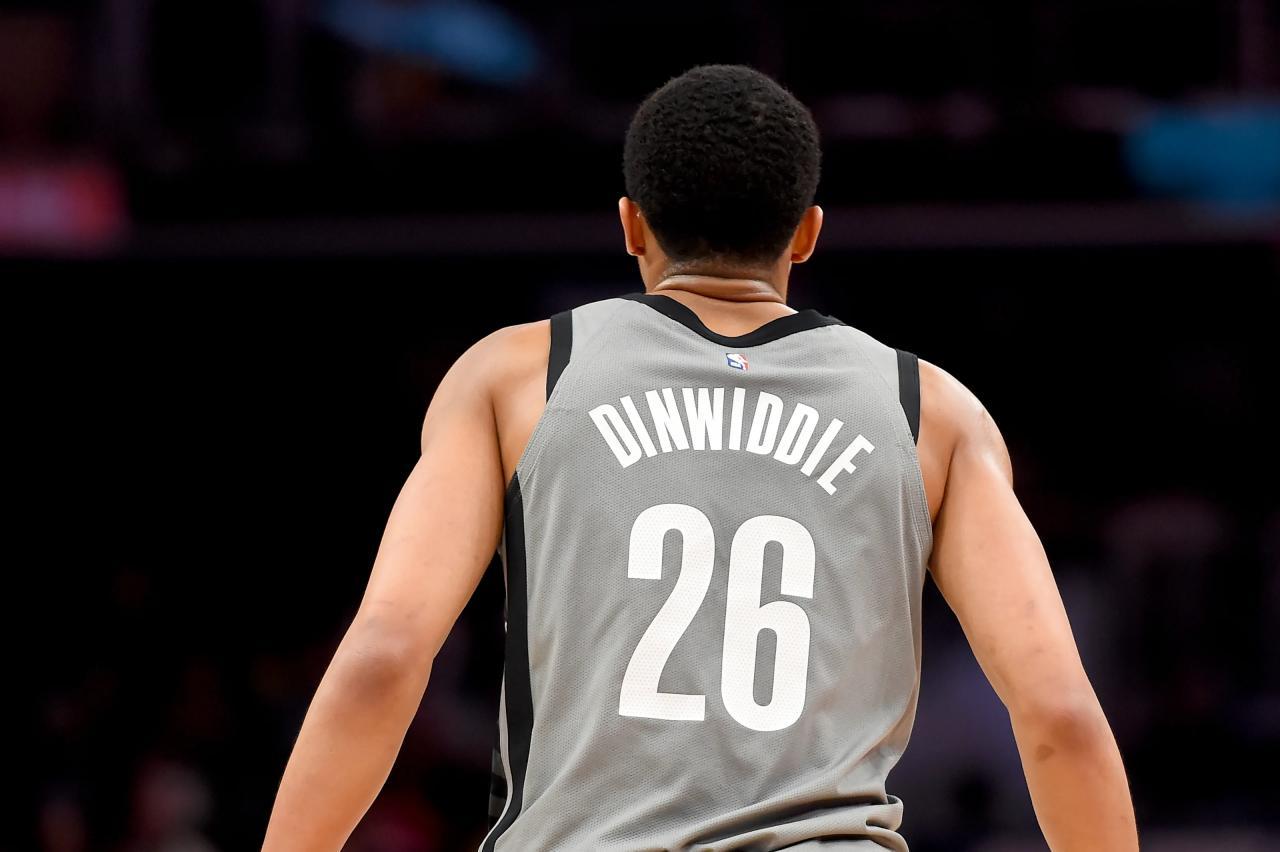 Spencer Dinwiddie busca recolectar más de 24 millones de dólares en Bitcoin para que los fanáticos decidan su próximo equipo en la NBA