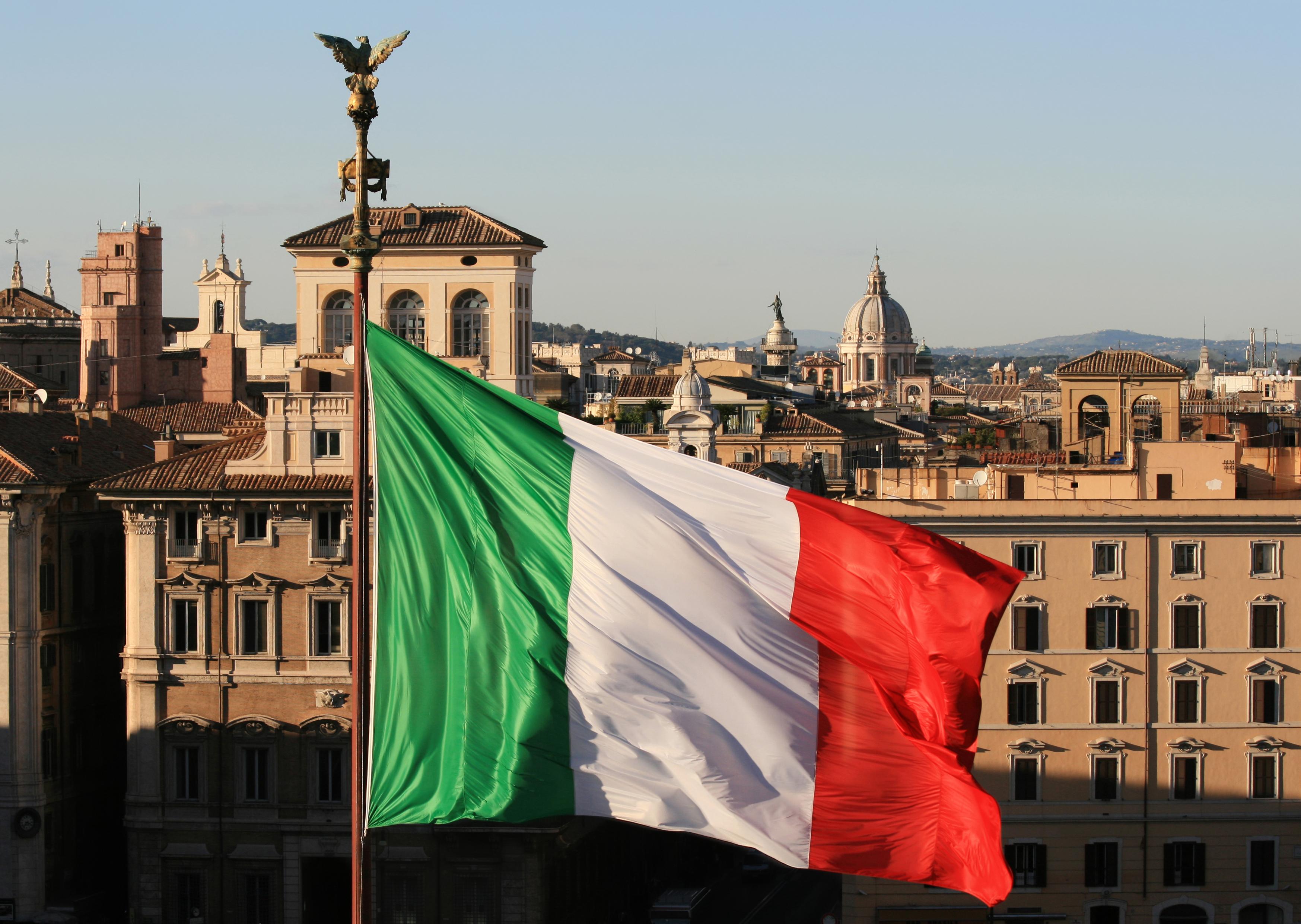 Bancos de Italia aumentan el uso de la tecnología blockchain para compartir información sobre transferencias interbancarias