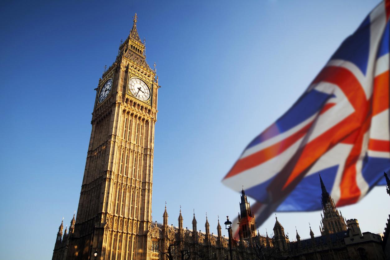 En Reino Unido, el gobierno está buscando fortalecer las regulaciones para la publicidad de ciertos productos financieros y criptoactivos