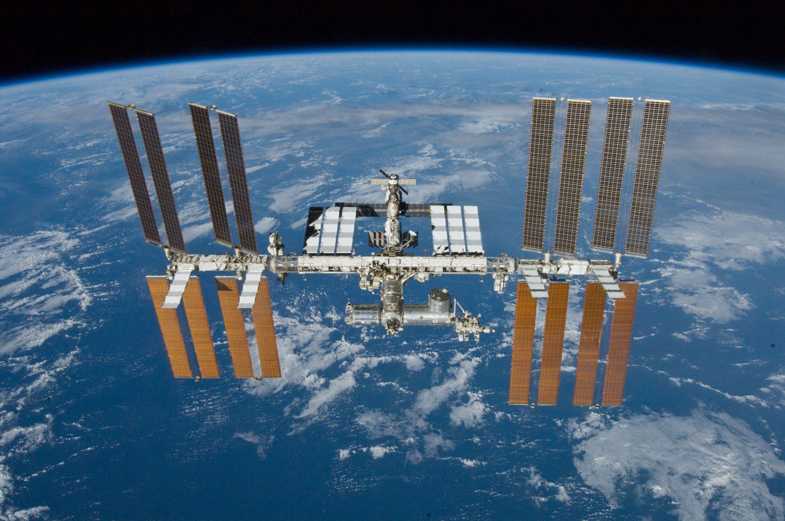 Spacechain realiza la primera transacción blockchain de firmas múltiples en el espacio, con el envío de Bitcoin por medio de la Estación Espacial Internacional