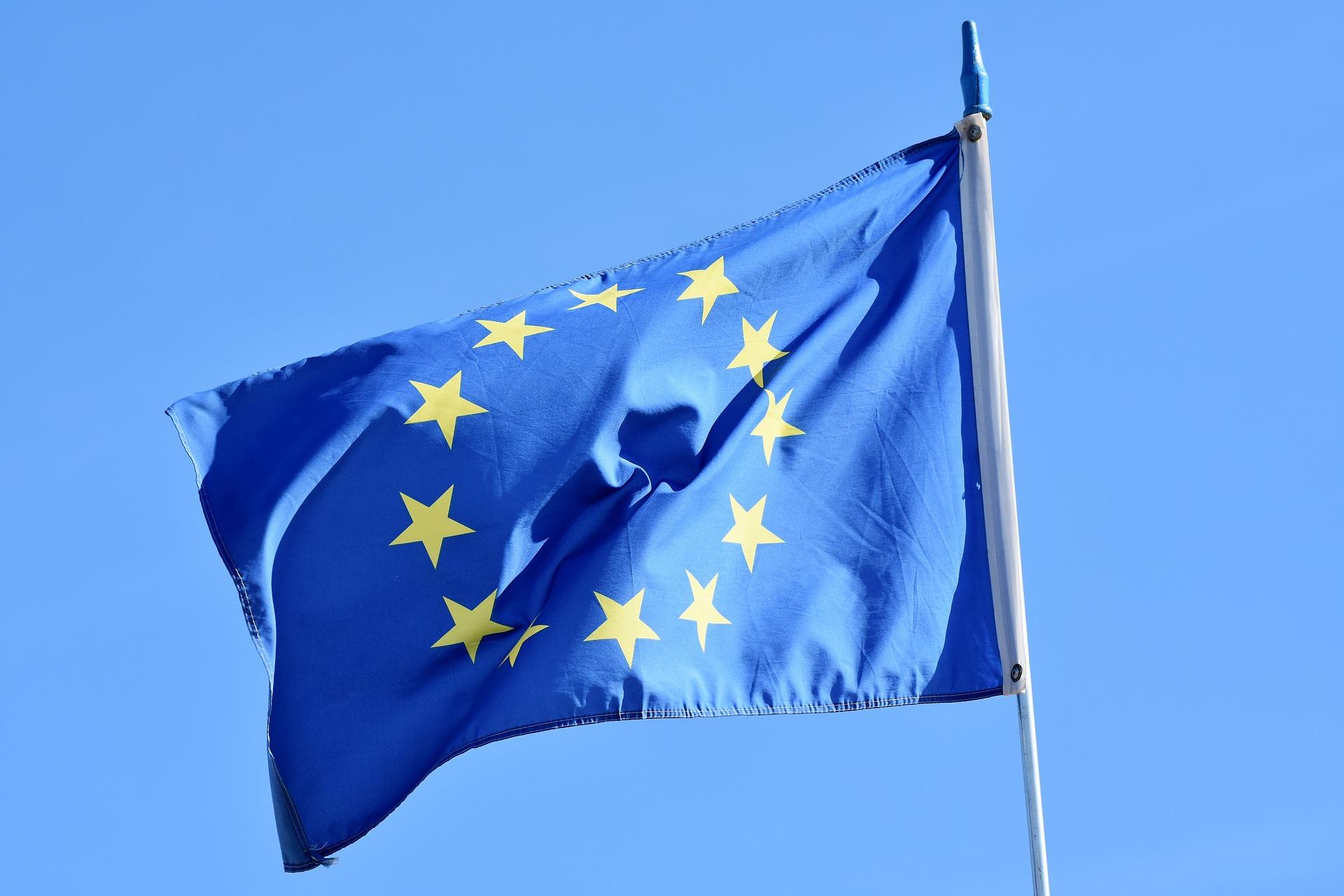 Con la intención de fomentar las finanzas digitales, la Unión Europea buscará establecer nuevas regulaciones para los criptoactivos en los próximos cuatro años, según destaca un informe