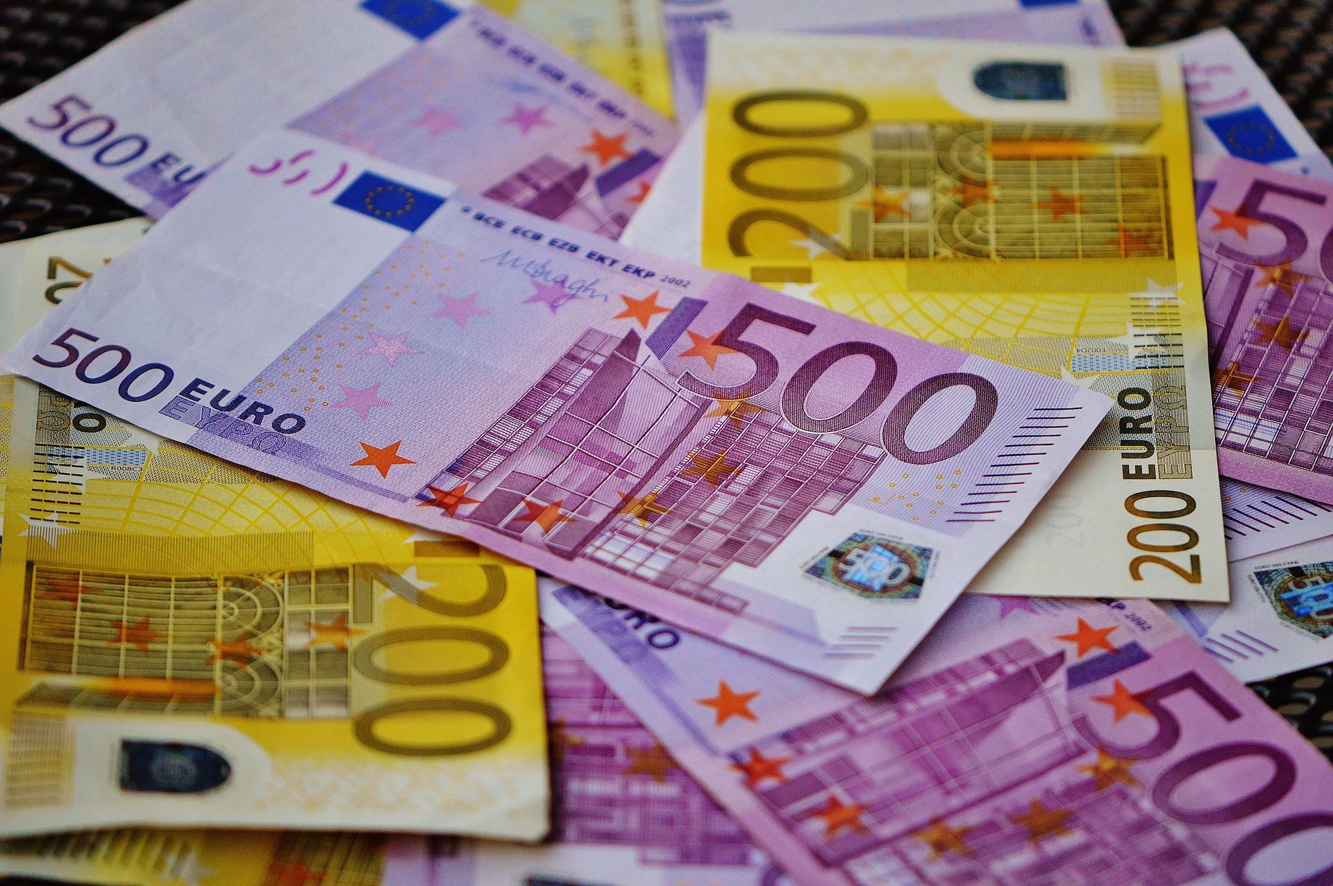 Reporte del Banco Central Europeo indica que las monedas estables no deben ser llamadas monedas estables y su presidenta afirma que un euro digital no reemplazará el efectivo
