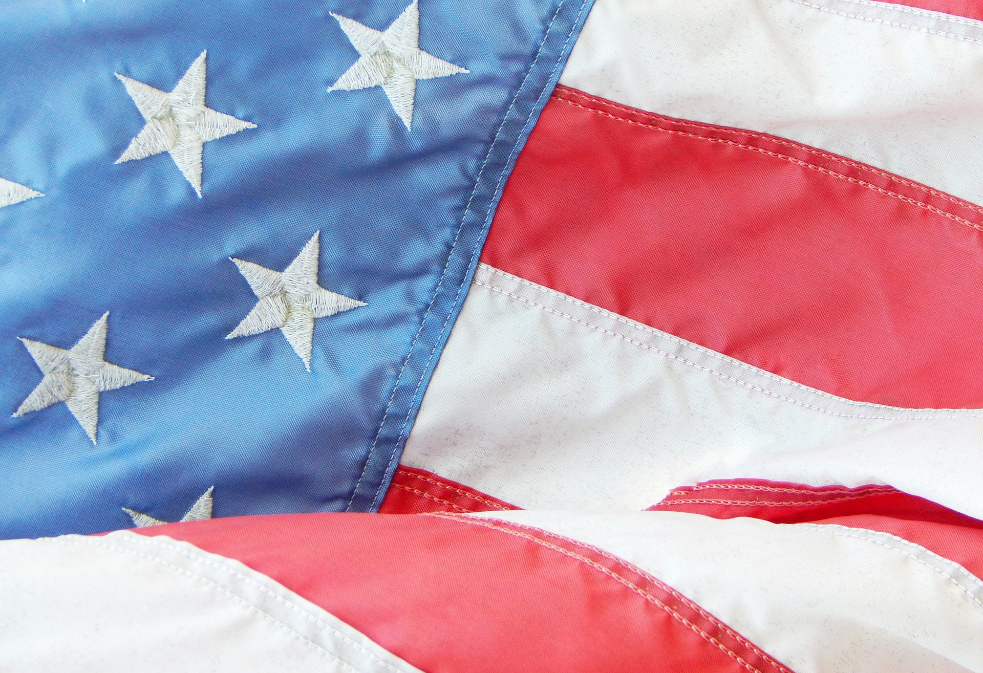 Agencia de noticias AP y Everipedia registrarán en blockchain los datos y resultados de las próximas elecciones generales de Estados Unidos