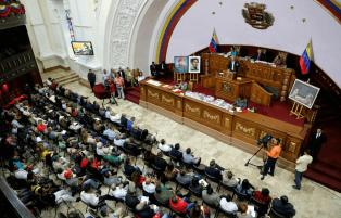Asamblea Nacional Constituyente recibirá el proyecto de ley presentado por Maduro que busca impulsar las criptomonedas y el Petro en Venezuela