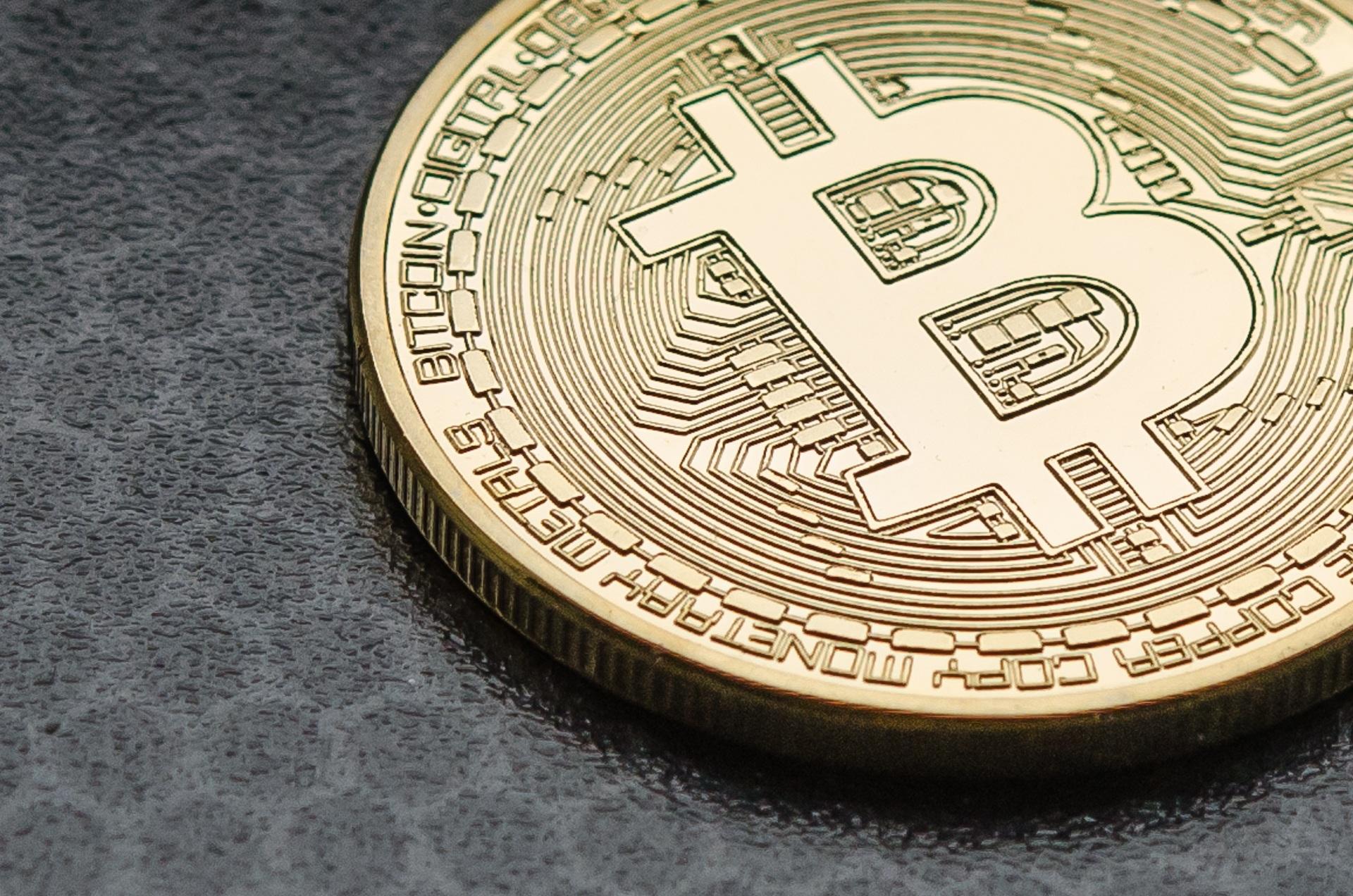 Bitcoin cierra el año 2020 como el activo institucional con mejor rendimiento y la marca de los 30 mil dólares se acerca cada vez más