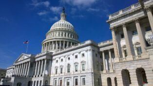 Congresistas de Estados Unidos presentan un proyecto de ley para regular las monedas estables en el país