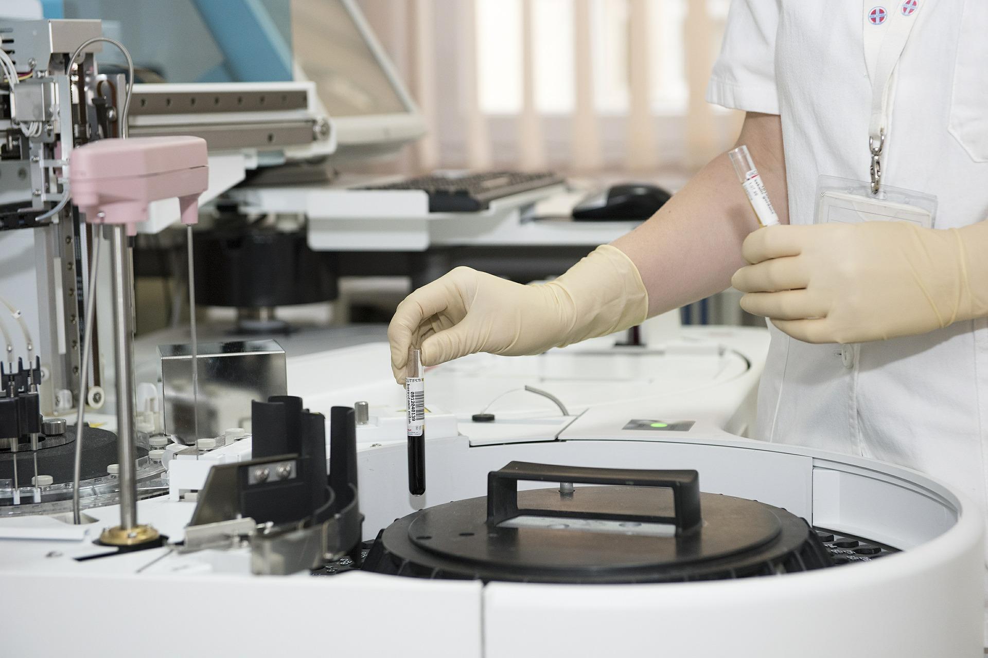 TotalClarity y dClinic se unen para llevar la atención médica con tecnología blockchain a los ensayos clínicos