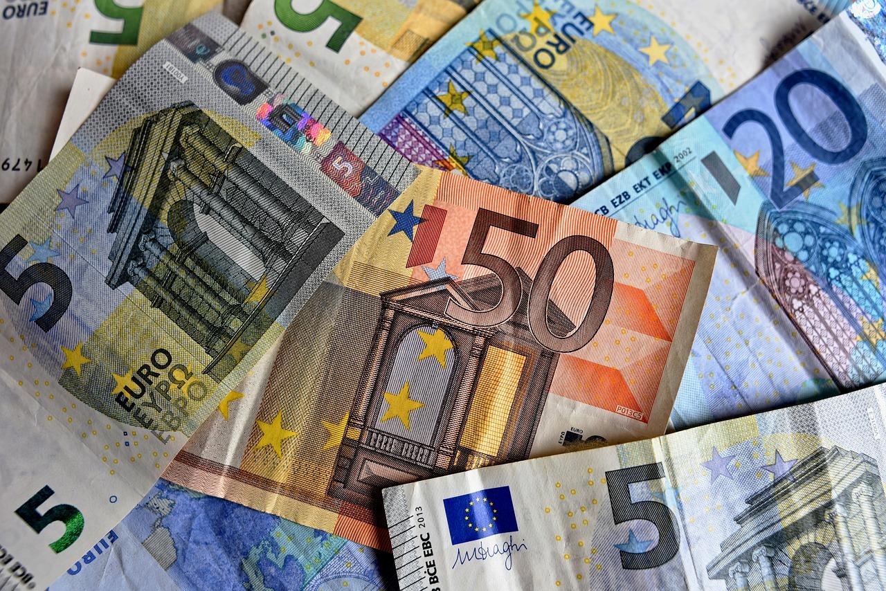 Banco Central de Francia realiza un experimento con el euro digital utilizando blockchain y centrado en la liquidación interbancaria