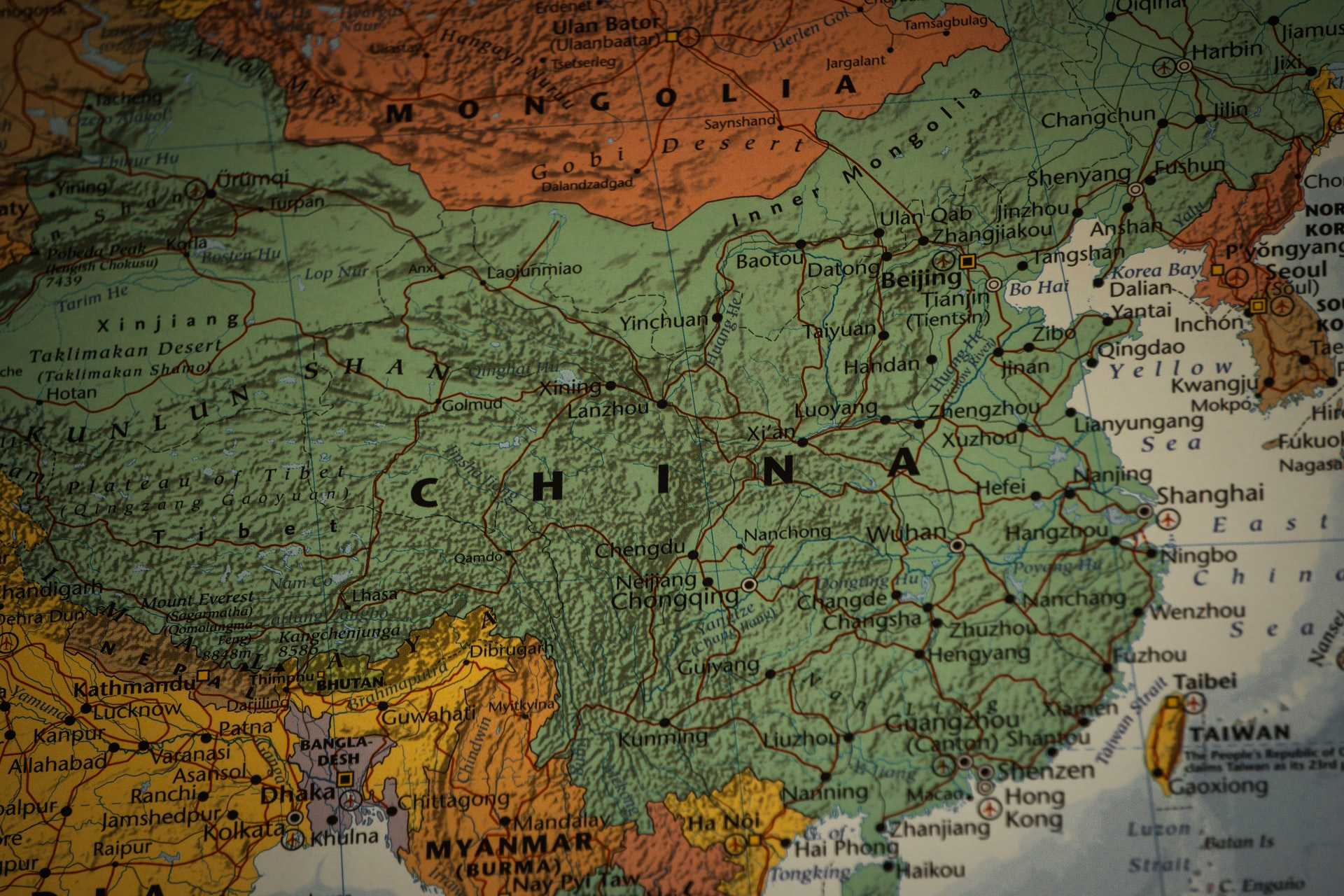 Banco Central de China sumará a bancos privados a las pruebas del yuan digital
