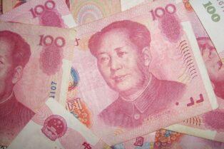 Durante el piloto del yuan digital en Beijing se probaron una billetera física para pagos y más funciones en cajeros automáticos