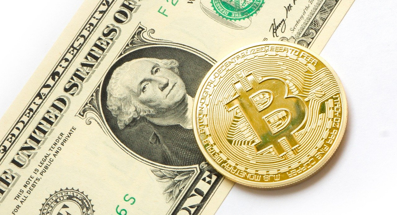 MicroStrategy aumenta su venta de notas convertibles y buscará comprar 900 millones de dólares en Bitcoin, que rebasó los 51 mil dólares en su precio