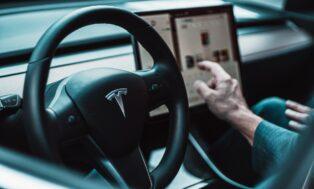 Tesla ahora acepta pagos en Bitcoin para sus vehículos eléctricos en Estados Unidos