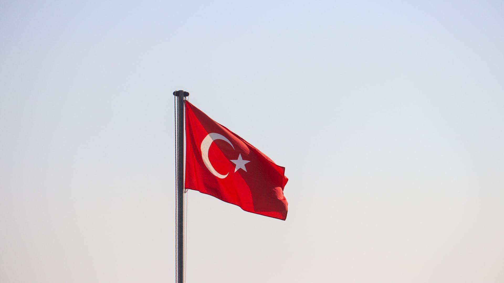 Detienen a 62 personas en Turquía como parte de la investigación por fraude sobre el intercambio de criptomonedas Thodex por 2 mil millones de dólares y que afecta a casi 400 mil usuarios