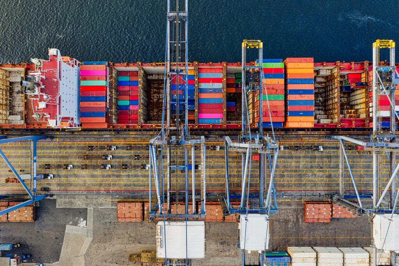 Lanzan una plataforma blockchain para digitalización de documentos comerciales en la industria de transporte marítimo y el Puerto de Buenas Aires busca renovar su sistema de documentación impulsado por la tecnología